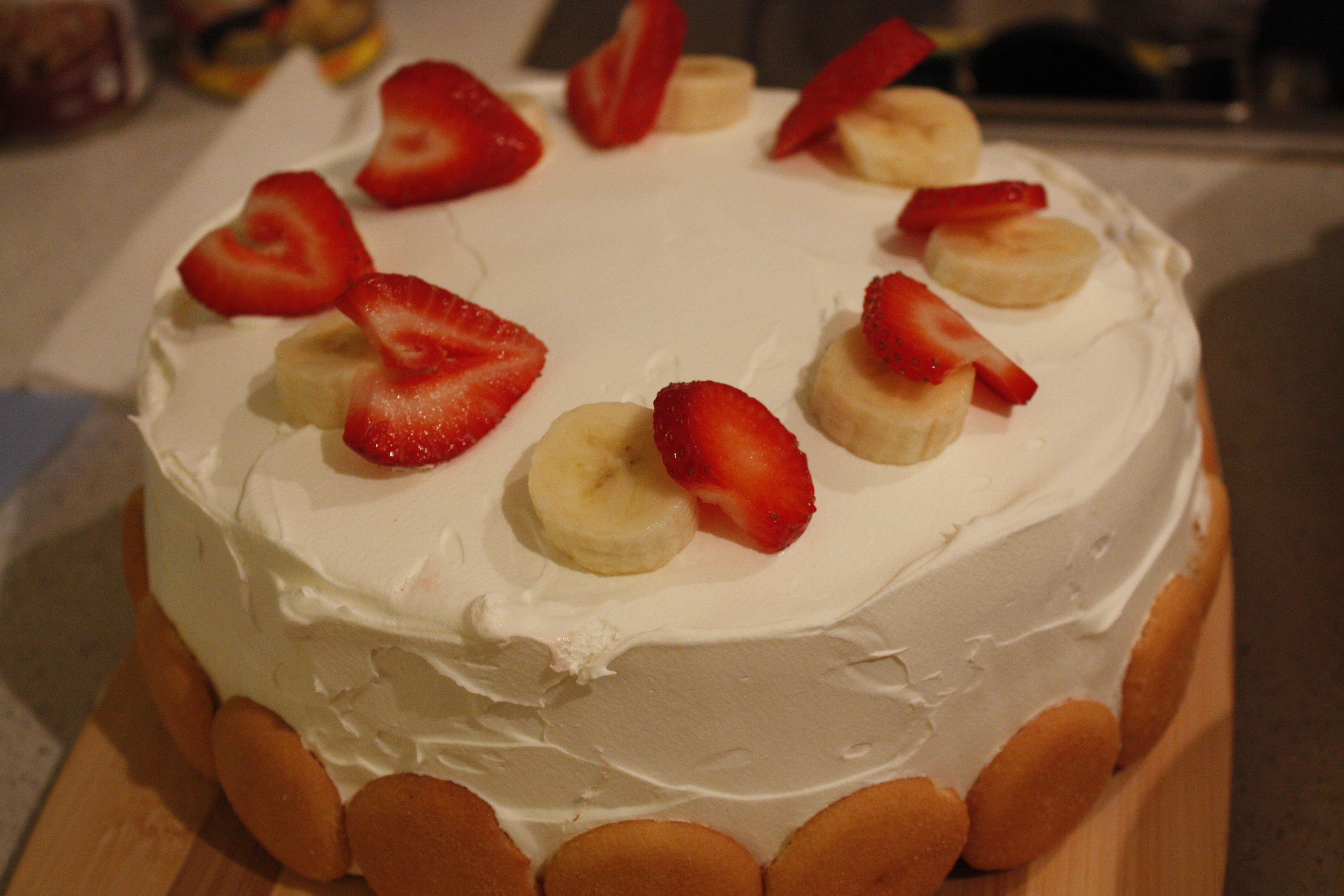 Strawberry And Banana Cool Whip Cake Bakingmehungry